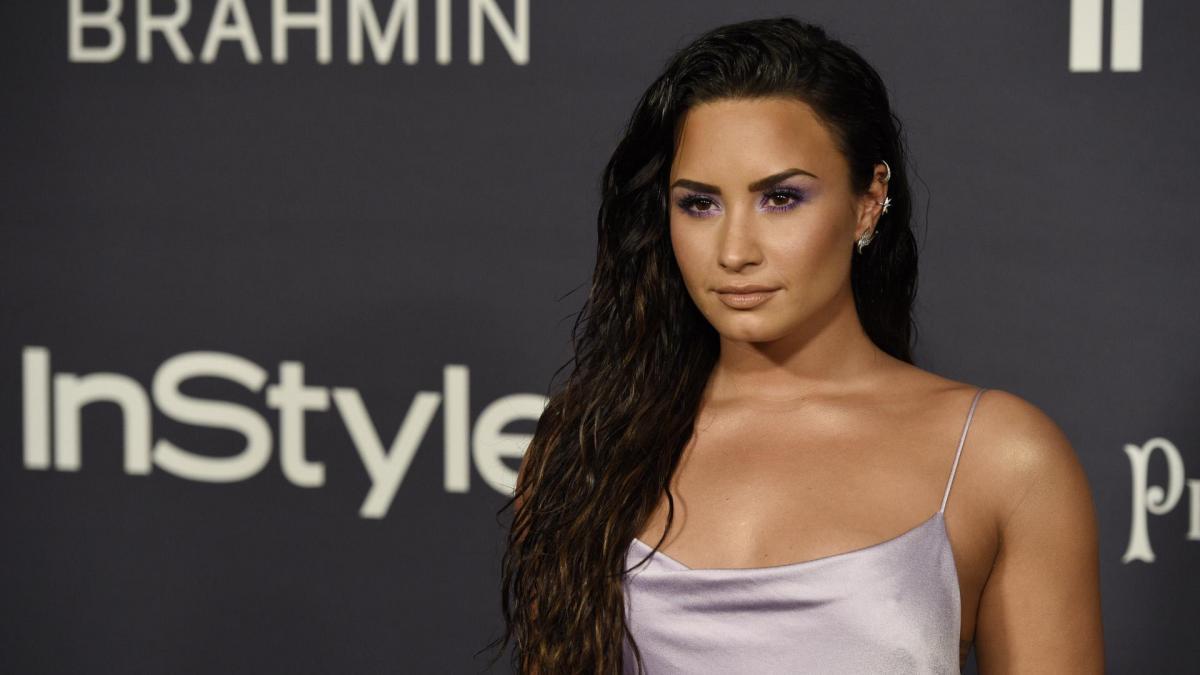"""Demi Lovato muestra su cambio físico: """"Nunca he tenido pecho hasta que  empecé a comer lo que quería"""""""
