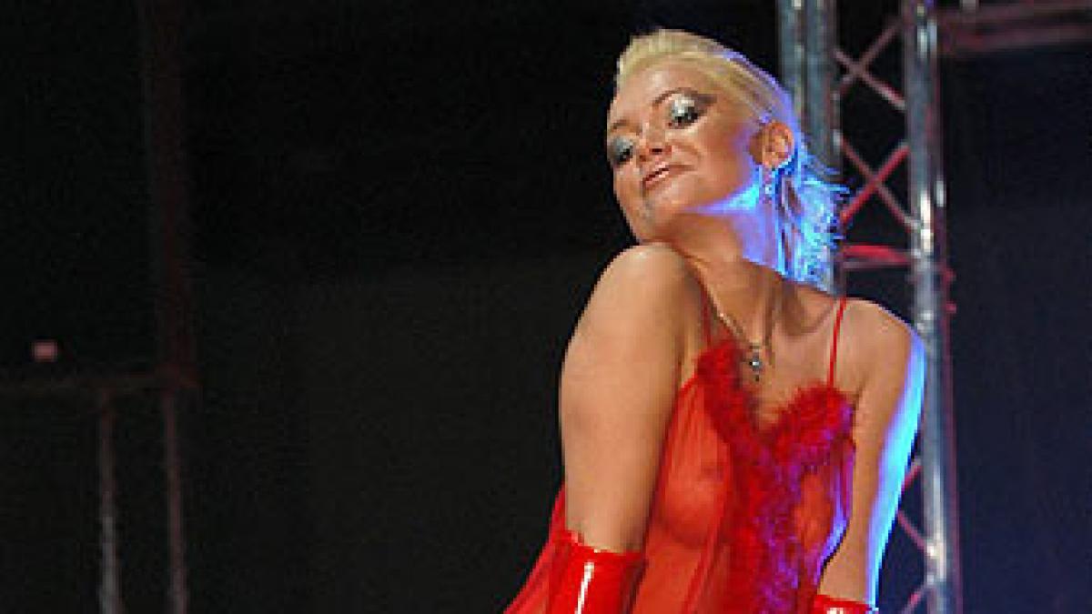 Canales Porno Baile Striptis En Barcelona fotos: fotos: festival erótico en barcelona | imágenes