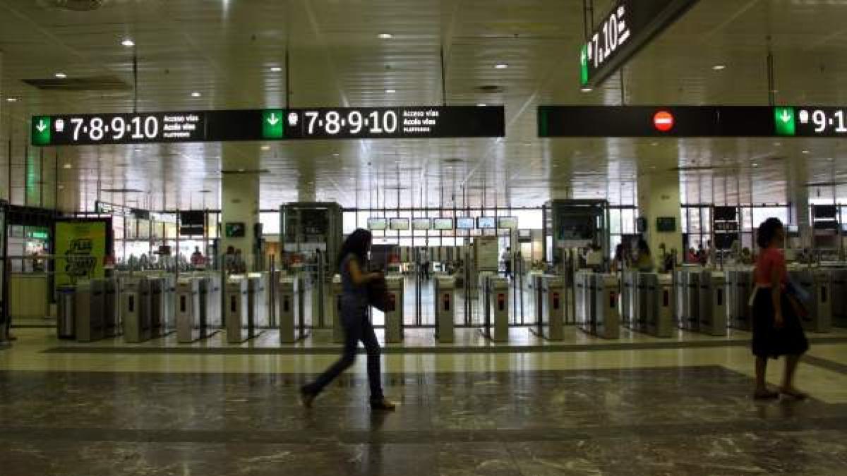 El Vestibulo De La Estacion De Renfe De Barcelona Sants Tendra Aseos Reformados Y De Pago
