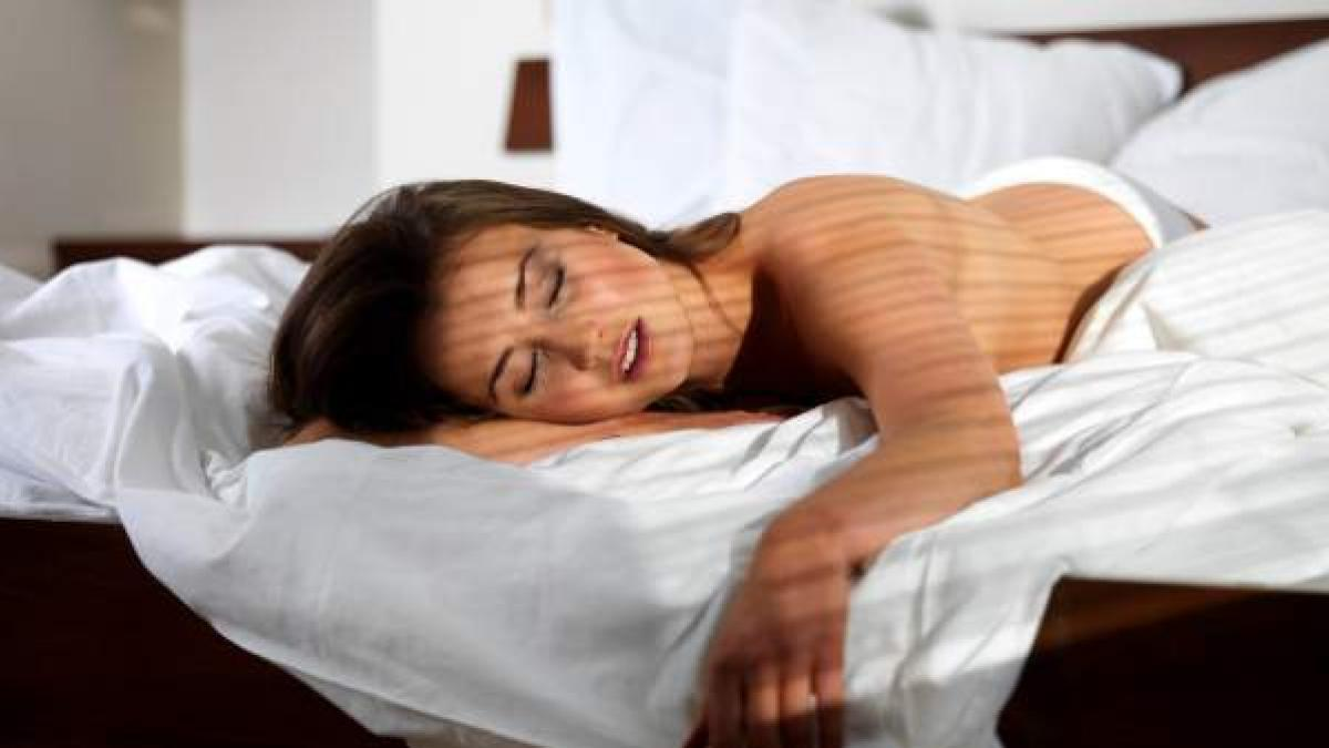 calambres en brazos y manos al dormir