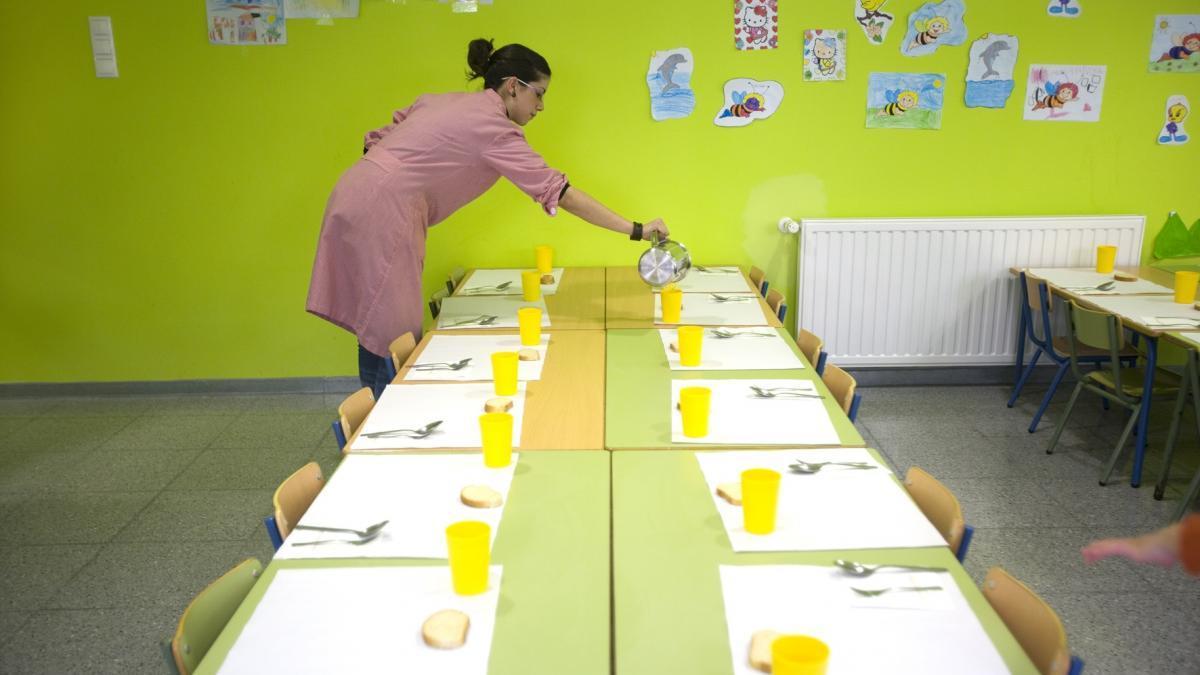 Los padres exigen comedores escolares con cocinas \