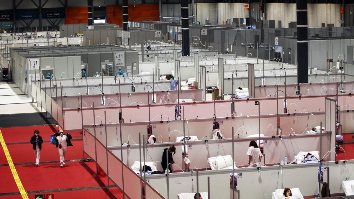 """Dentro del Hospital de Ifema: """"Es como si ocurrieran dos 11-M al día"""""""