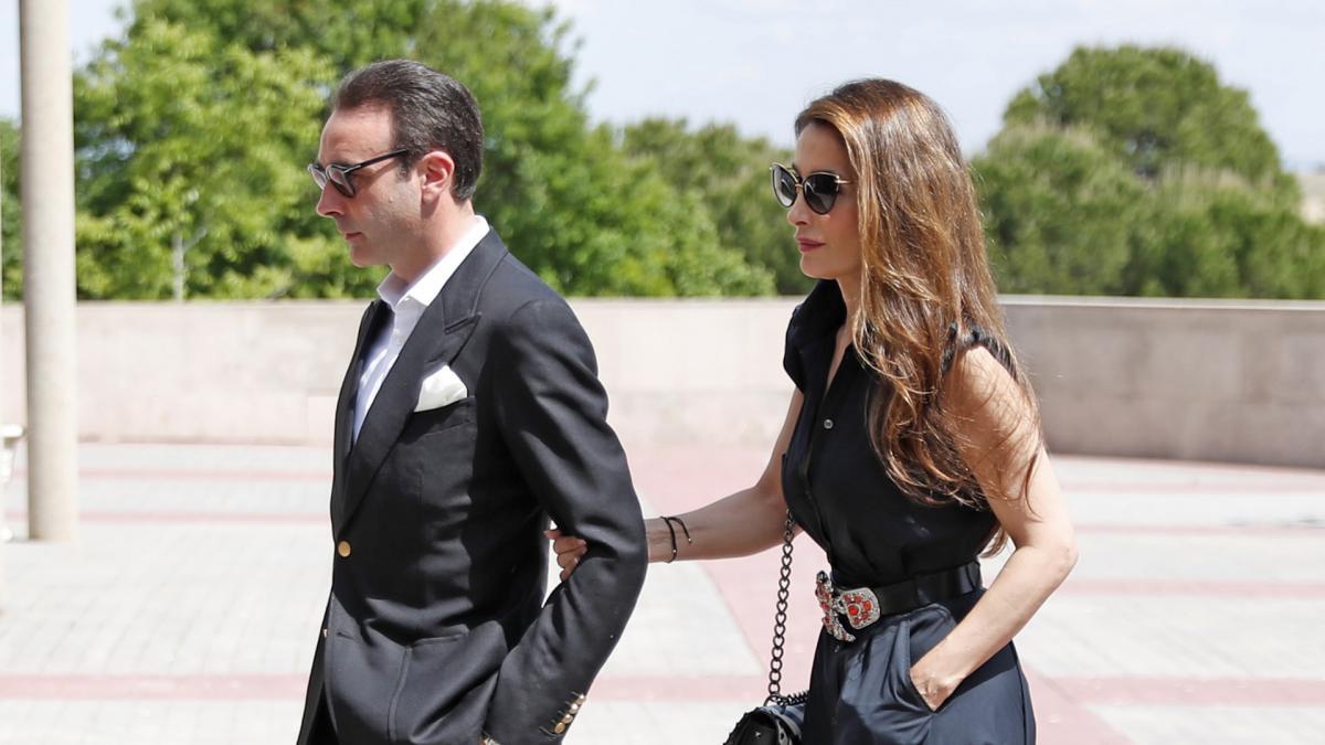 Enrique Ponce y Paloma Cuevas se divorcian después de casi 24 años ...