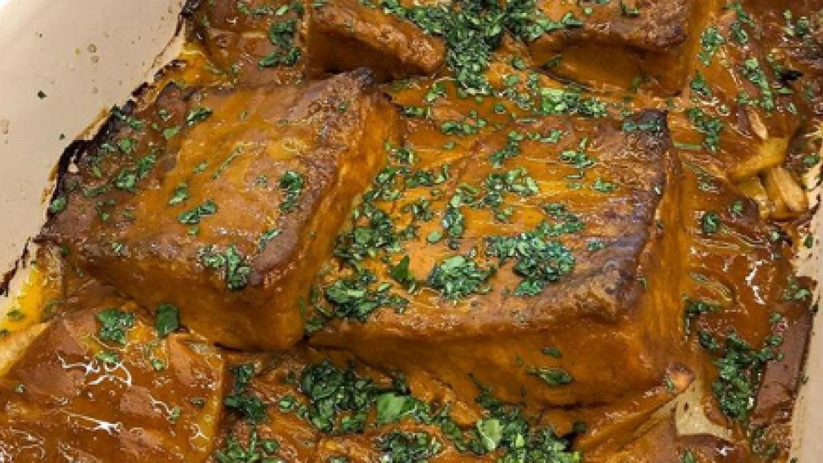 El Bacalao Al Horno Con Salsa De Tomate Casera De Chicote Que Triunfa En Instagram