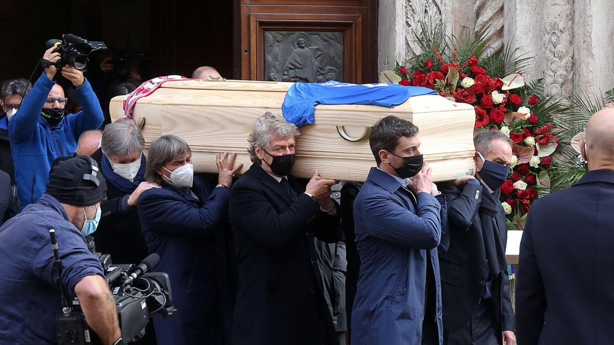 Roban en casa de Paolo Rossi mientras se estaba celebrando su funeral