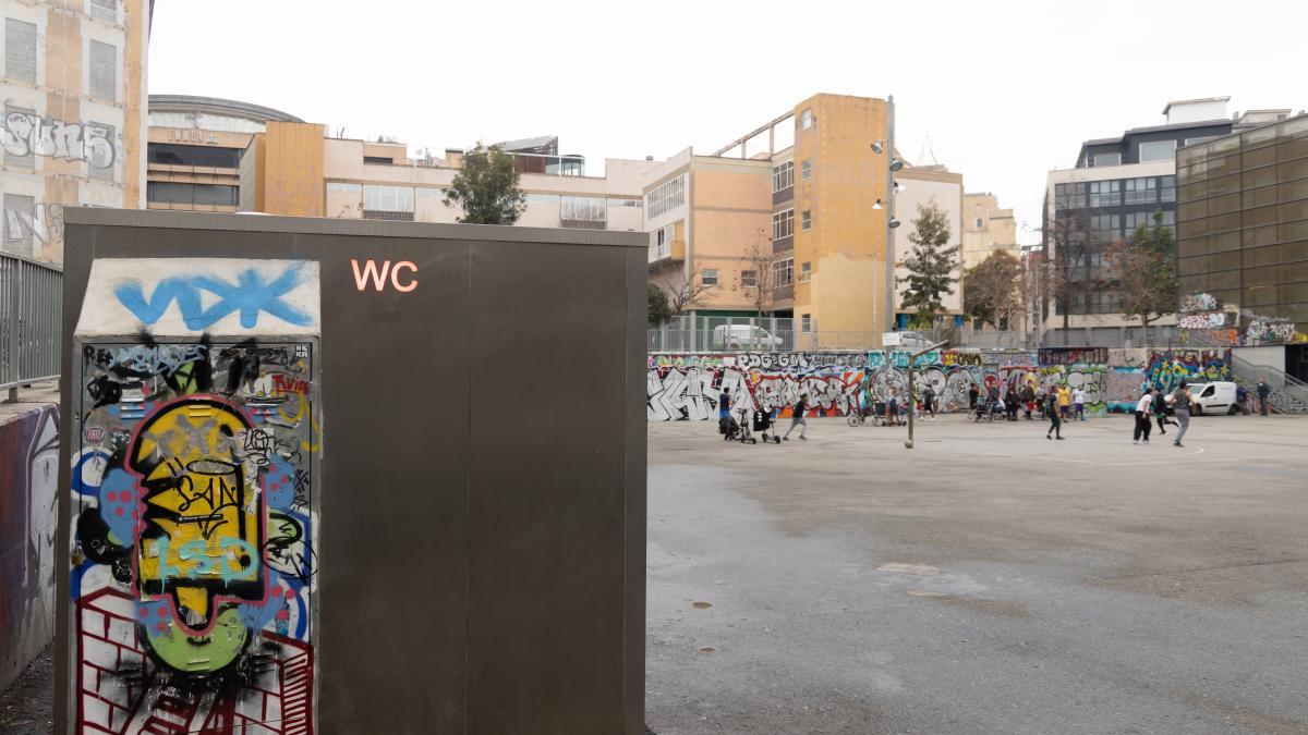 La Covid 19 También Lo Pone Difícil En Barcelona Para Ir Al Lavabo