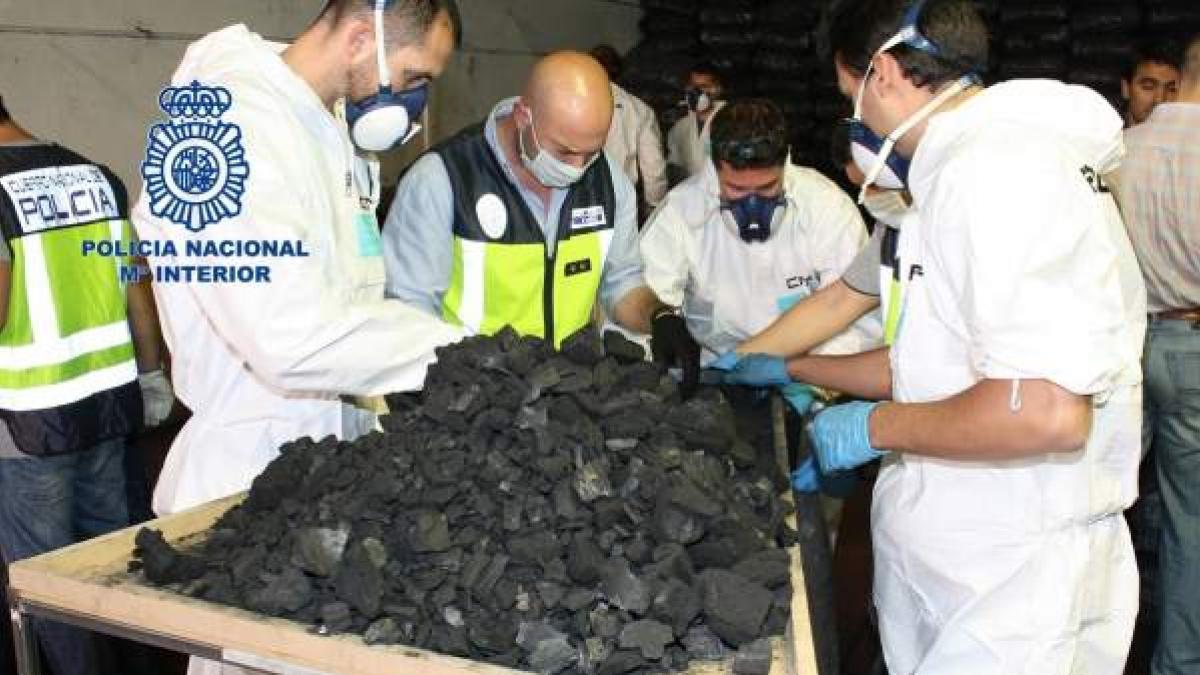 La Policía Nacional interviene 1.650 cápsulas con cocaína camufladas en carbón  vegetal