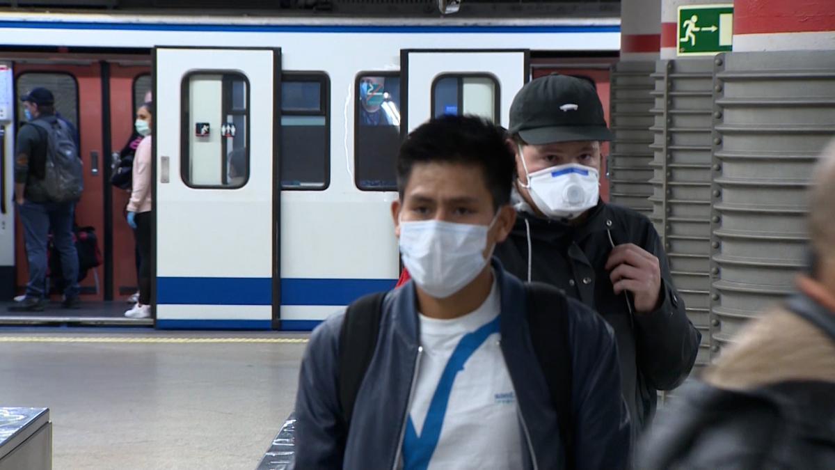 El Gobierno obliga desde el jueves a usar mascarillas en espacios ...