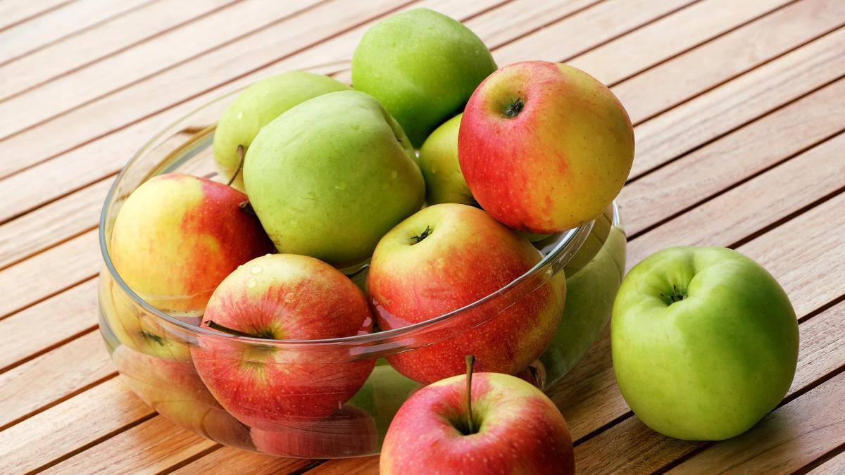 Comer manzanas estimula la generación de nuevas neuronas, señala un estudio