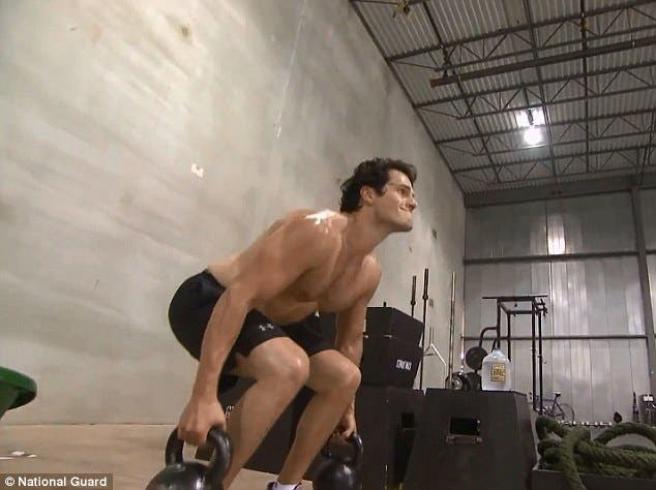 Vídeo: así se entrenó Henry Cavill para ser Superman