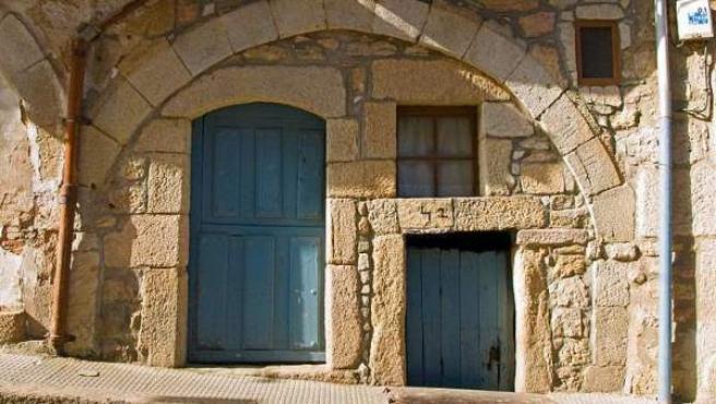 Fachada de una típica casa de esta localidad zamorana.