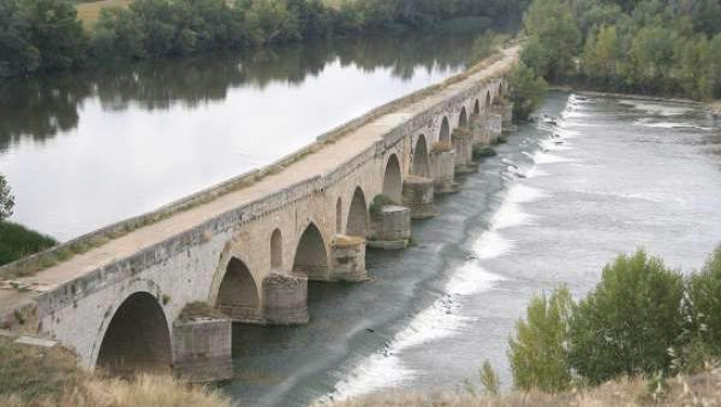 Una imagen del río Duero, a su paso por el municipio de Toro, en Zamora.