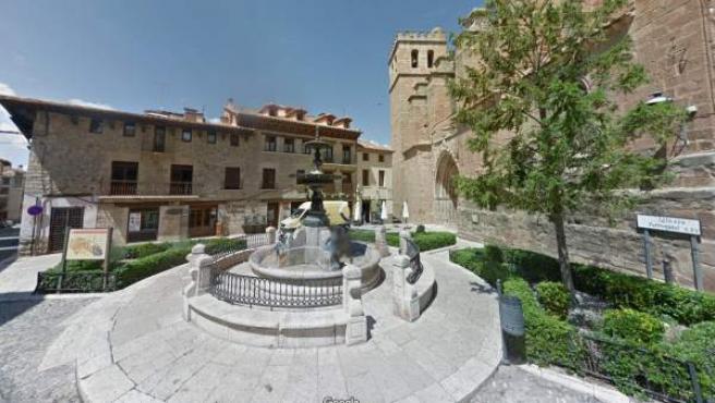 Plaza de la Iglesia de Mora de Rubielos, en Teruel.