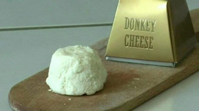 <p>Se produce con leche de burra, muy escasa, por eso es el queso más caro del mundo. Su origen es serbio y su precio puede ser de hasta 1.000 euros el kilo. </p>