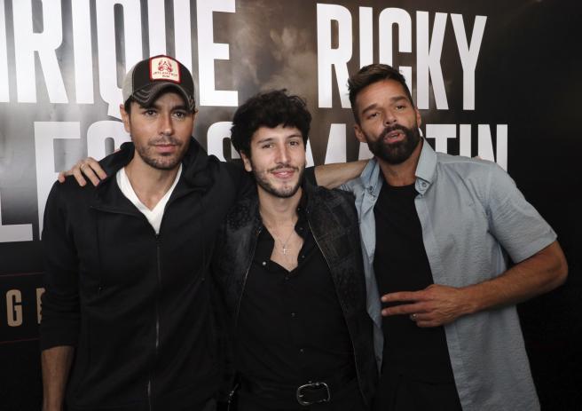 Enrique Iglesias, Sebastián Yatra y Ricky Martin en la presentación de su gira conjunta.
