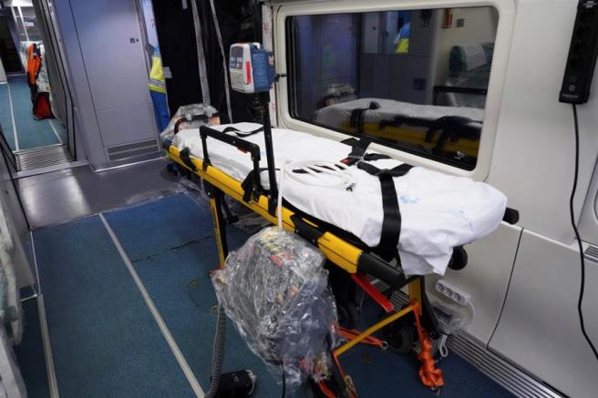 Interior de uno de los trenes medicalizados de Renfe.