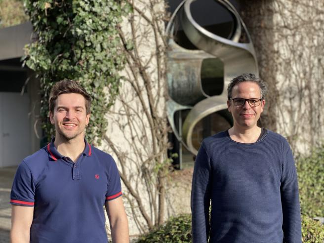 Los investigadores Bernardo Rodríguez-Martín y Jan Korbel.