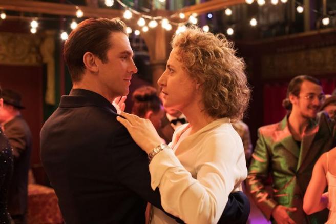 Dan Stevens y Maren Eggert en 'Im Your Man'