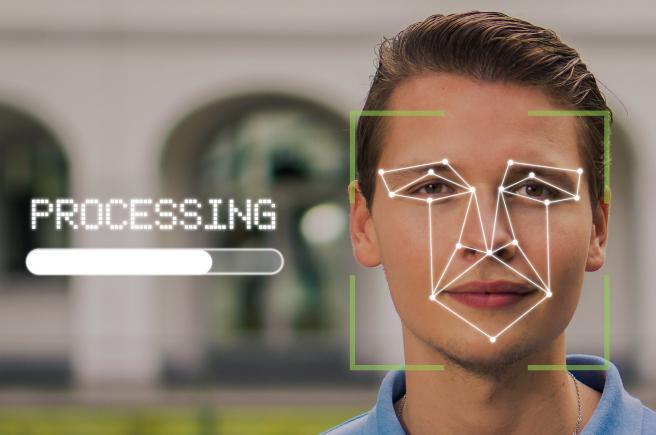 Exposing.AI no utiliza en sí el reconocimiento facial, sino que ubica las fotos que tienen enlace a Internet.