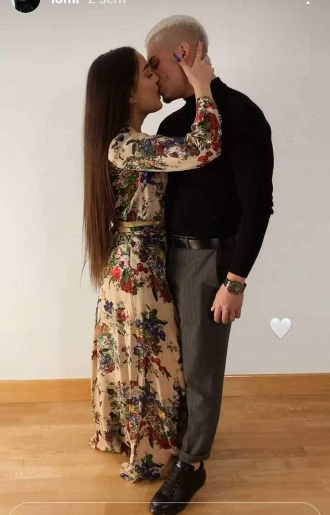 Julia Janeiro y su novio, el futbolista Brayan Mejía.