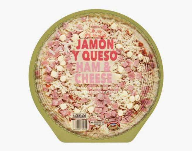 Pizza de jamón y queso hacendado, a la venta en Mercadona.