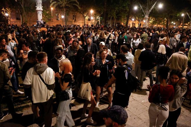 Imagen del Paseo Lluis Companys de Barcelona este sábado por la noche.