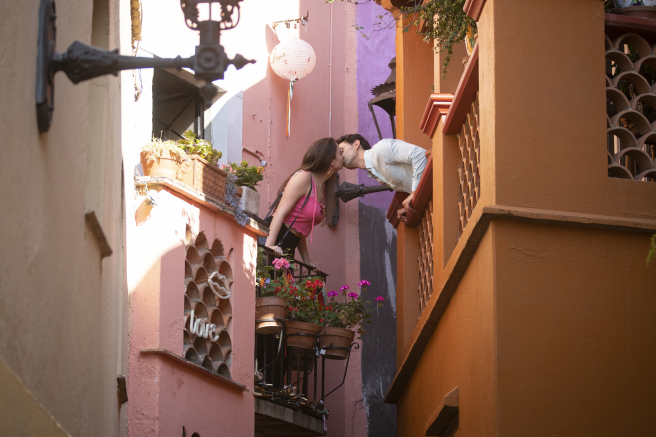 One of the most famous points of the Guanajuato capital.  Tradition says that if a couple passes through the narrow alley, they should kiss, lest their love end in tragedy.