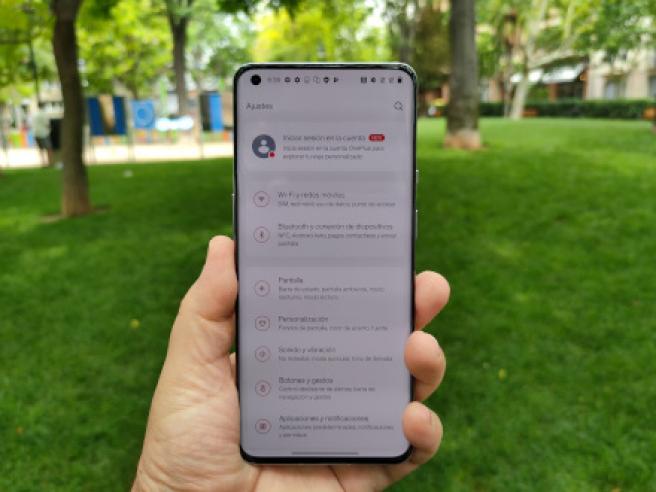 La pantalla de 6,7 pulgadas del OnePlus 9 Pro