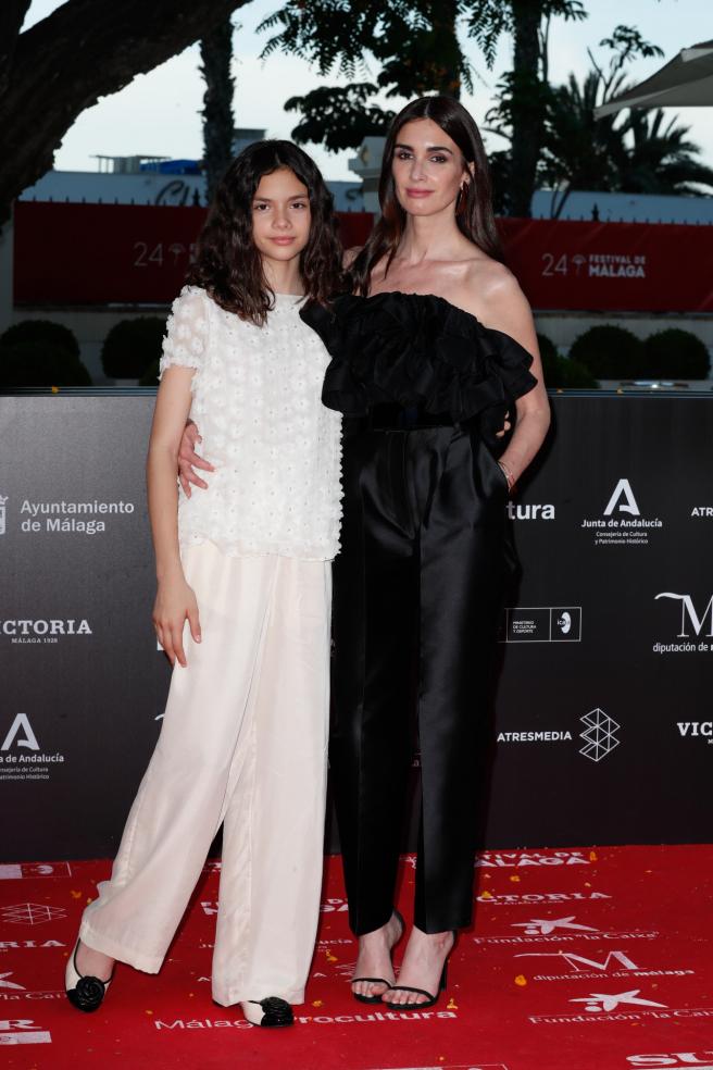 Paz Vega con su hija Ava Salazar en el 'estreno' de 'La casa del caracol'.