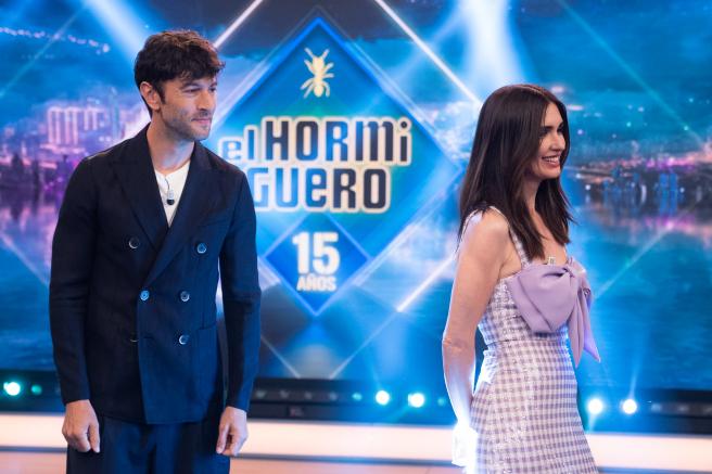 Javier Rey y Paz Vega, en 'El hormiguero'.
