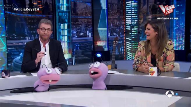 Pablo Motos y Nuria Roca, en 'El hormiguero'.