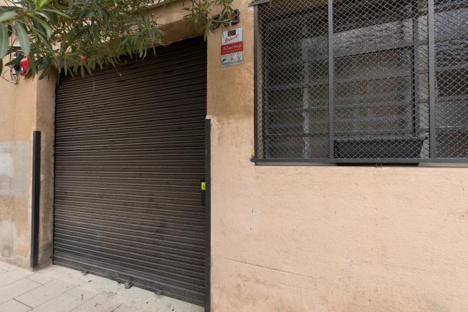 El polémico local del pasaje de Xile, cerrado.