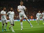 Toni Kroos celebra su gol al Galatasaray.