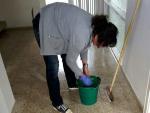 Imagen de recurso de una trabajadora de la limpieza.