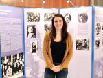 La titular de Igualdad, Irene Montero, en la exposición 'El voto de las mujeres', que se puede ver en el hall del ministerio.