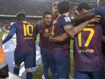 Los jugadores del FC Barcelona celebran el primer gol del equipo blaugrana, durante el encuentro de vuelta de los cuartos de final de la Copa del Rey.
