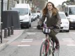 """María Valdés, una madrileña que utiliza la bici como medio de transporte habitual: """"Ha mejorado mi calidad de vida""""."""