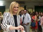 Cristina Cifuentes, presidenta de la Comunidad de Madrid, votando el 26-J.