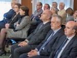 Parte de los acusados, entre ellos Manuel Chaves y José Antonio Griñán, sentados en la sala de la Audiencia de Sevilla en el juicio de los ERE.