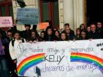 Concentración en repulsa por el último asesinato machista en Reus. La víctima, de 17 años, se llamaba Kelly.