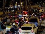 Manifestantes convocados por los denominados Comités de Defensa de la República (CDR) cortan el tráfico en la avenida Meridiana de Barcelona.