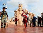 Las chimeneas de la Casa Milà son testigos de las acrobacias de los artistas del Circo del Sol.