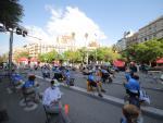 Concentración en la calle Aragó de Barcelona donde se ha celebrado el acto central de la Diada.