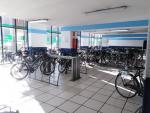 Aparcamiento del servicio Bus+Bici en la estación Plaza de Armas, en Sevilla.