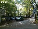 Decenas de coches aparcados en un bosque del Parque Natural del Montseny, que según el Consorcio Forestal de Catalunya ha sufrido una sobredimensionada afluencia de visitantes durante los últimos días de restricciones por el Covid-19.