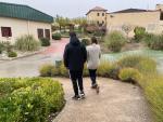 Carlos y Diana, en las instalaciones de Campus Unidos, centro residencial del programa Recurra-Ginso.