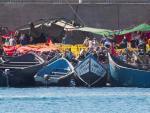 Más de 2.000 inmigrantes permanecían este martes hacinados en el muelle de Arguineguín, en Gran Canaria.