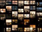 Las ventanas de un edificio lucen en la tarde del viernes en Berlín.