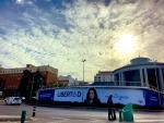 La lona electoral de Ayuso en Moncloa.