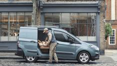 02 Ford Transit Courier Van